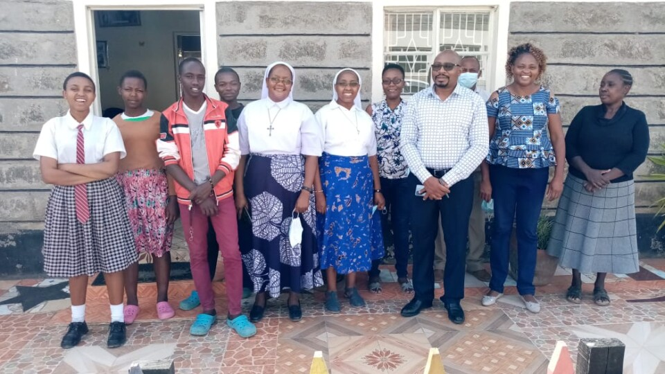 """""""SLOW, but Not Giving Up"""". A GO-GN Fellowship Challenges in Africa"""